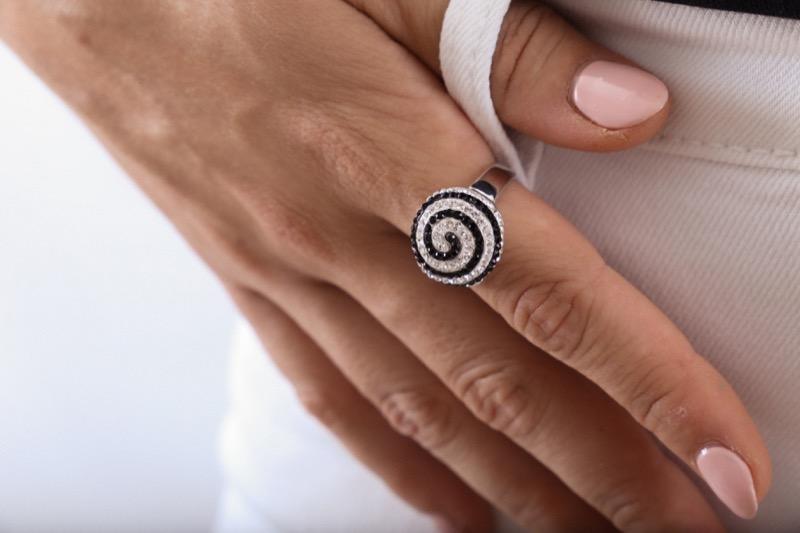 anillo_plata de ley_circonitas_negro_plateado_espiral_seyart_5