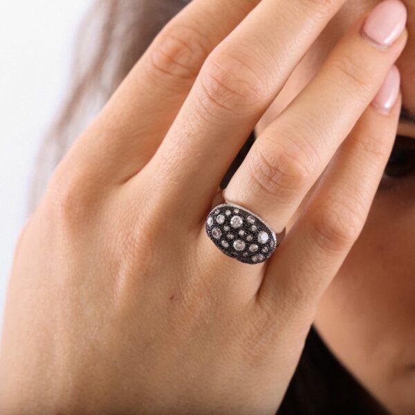 anillo_plata de ley_circonitas_ovalado_negro_incrustado_seyart_2