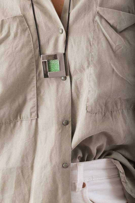 collar_acero_cristal_cuadrado_verde_seyart_4