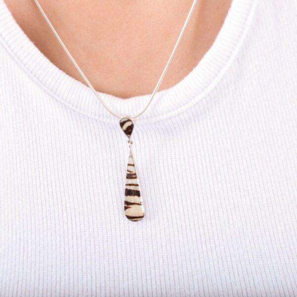 collar_plata de ley_esmalte_animal print_circonitas_lagrima_seyart_2