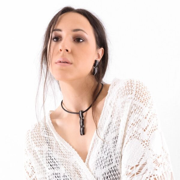 collar_plata de ley_madera_circonitas_largo_seyart_2