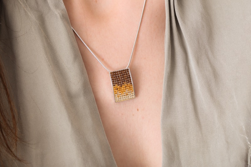 collar_rectangular_plata de ley_circonitas_marron_caramelo_cadena de plata_seyart_5