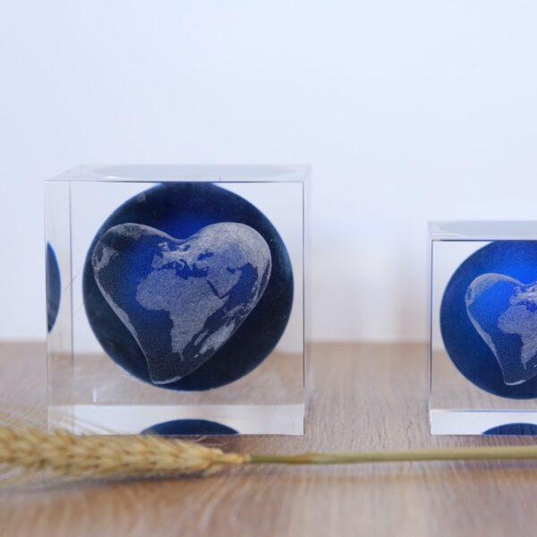 cristal_escultura_cubo_regalo_decorativo_grabado laser_dibujo_3D_mundo_corazon_seyart_2