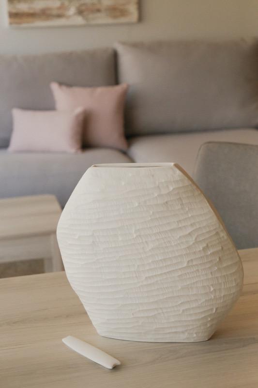 jarron_decorativo_ceramica_blanco_estrecho_relieve_seyart_5