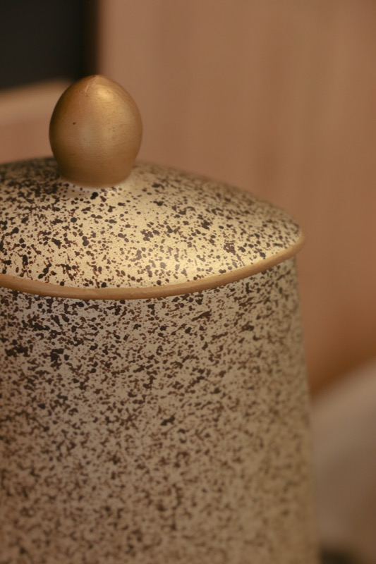 jarron_decorativo_ceramica_gris_naranja_diseño mosaico_seyart_4