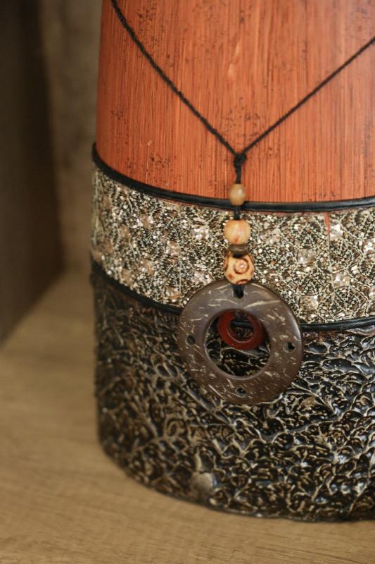 jarron_decorativo_ceramica_madera_marron_naranja_africano_pequeño_seyart_3