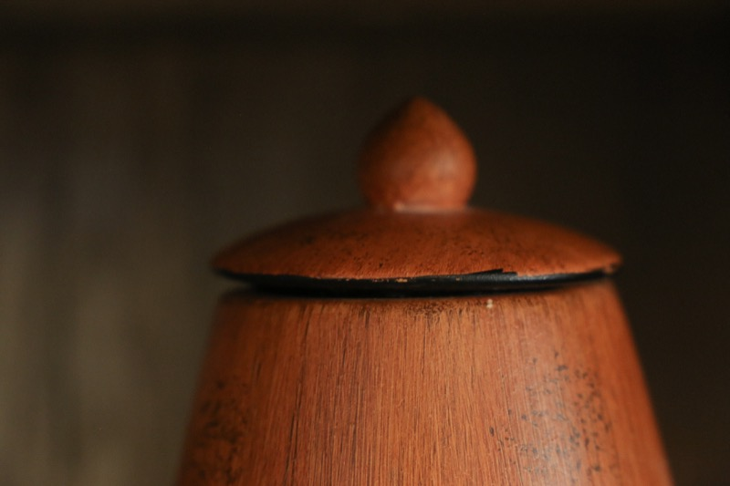 jarron_decorativo_ceramica_madera_marron_naranja_africanogrande__seyart_5