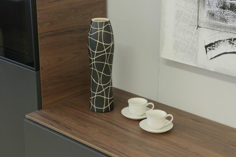 jarron_decorativo_ceramica_negro_lineas_seyart_3