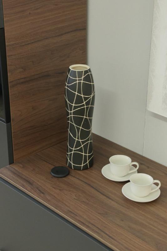 jarron_decorativo_ceramica_negro_lineas_seyart_5