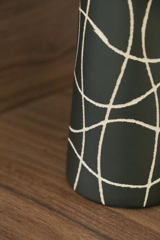 jarron_decorativo_ceramica_negro_lineas_seyart_6